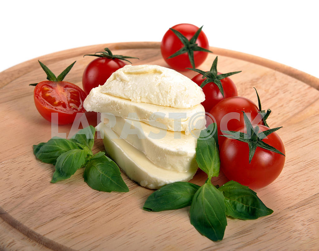 Mozzarella cherry tomatoes basil — Image 2236