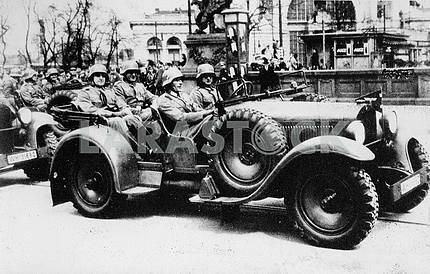 Немецкие солдаты в автомобиле Wanderer-22 Kubelwagen