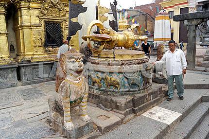 Буддистская ваджра. Непал, Катманду