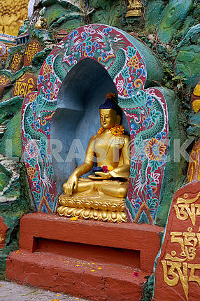 Золотая статуя Будды. Непал, Катманду