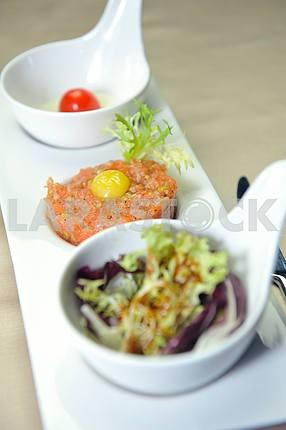 Tuna dish with tomato tartare and lettuce