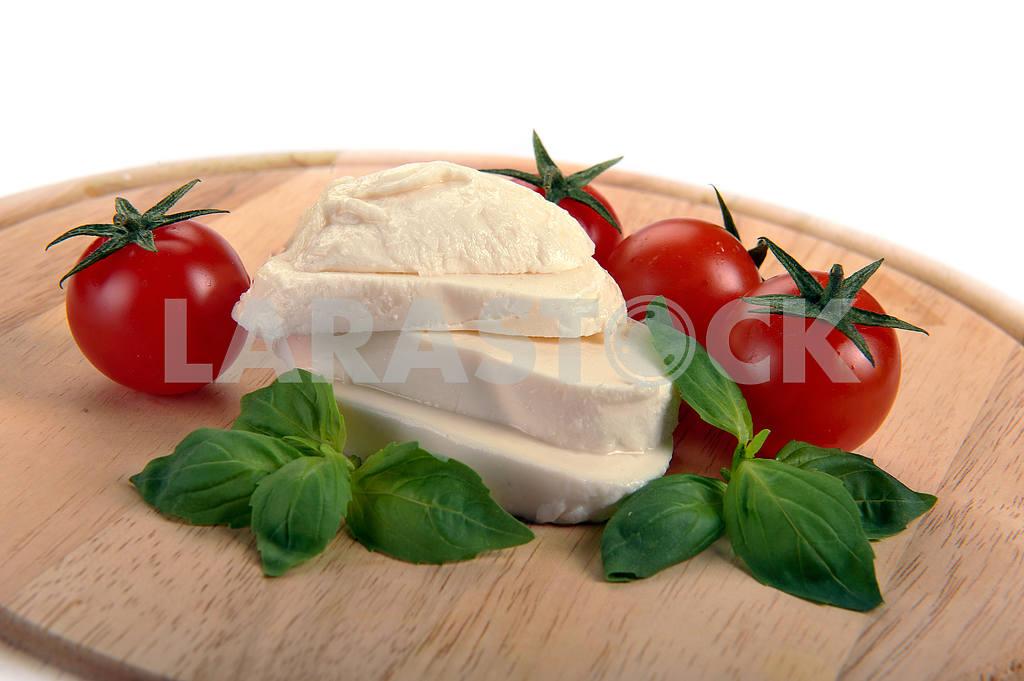 Mozzarella cherry tomatoes basil — Image 2281