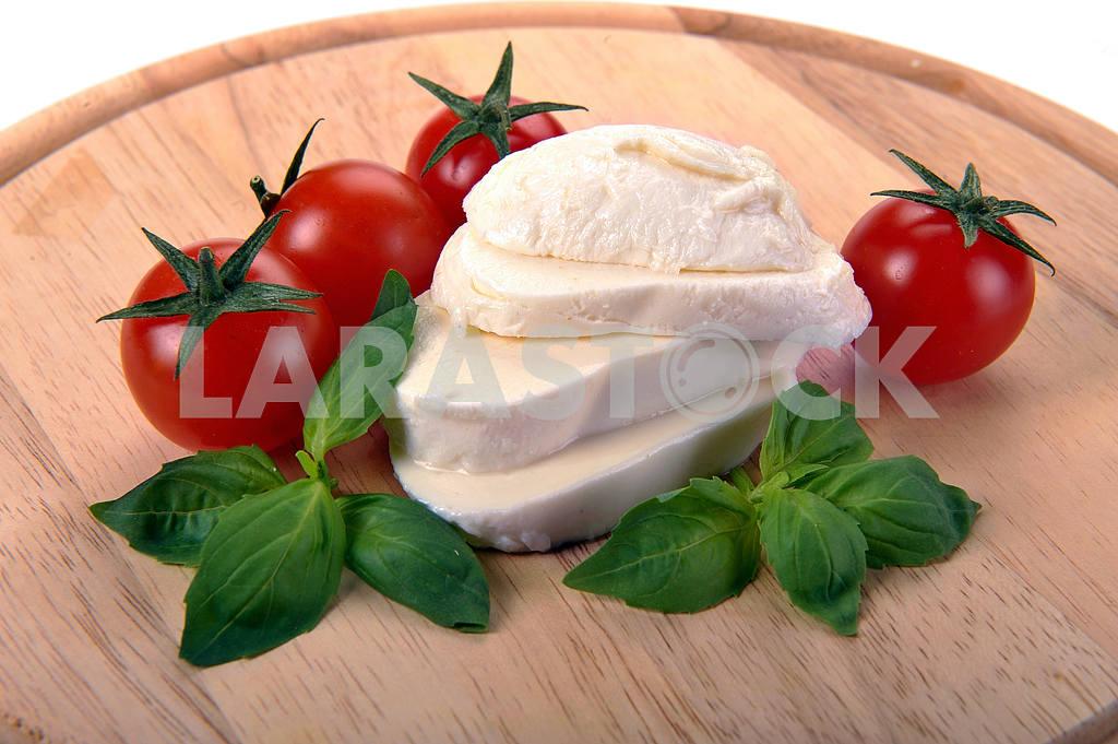 Mozzarella cherry tomatoes basil — Image 2282