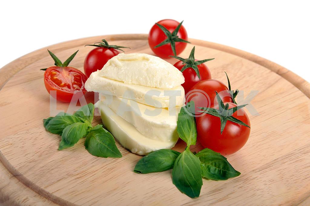 Mozzarella cherry tomatoes basil — Image 2283