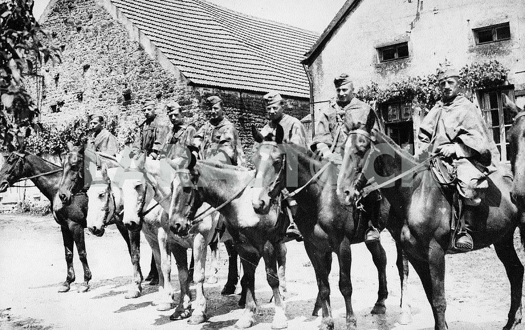 German horseman scouts. — Image 22921