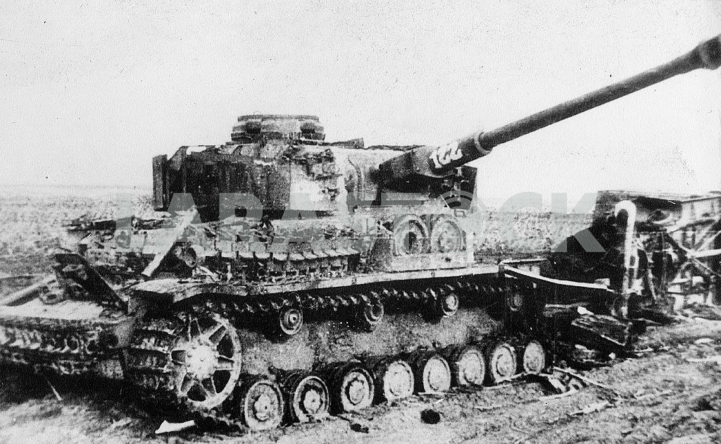 German middle tank T-IV (H) (1944) — Image 22928