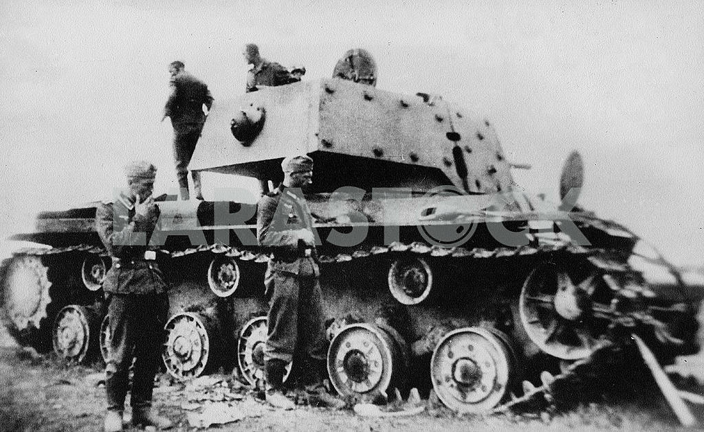 The Germans captured Soviet tank — Image 22929