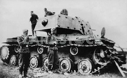 Немцы захватили советский танк