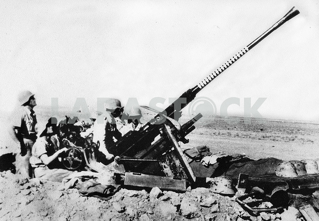 German anti-aircraft gun — Image 22944