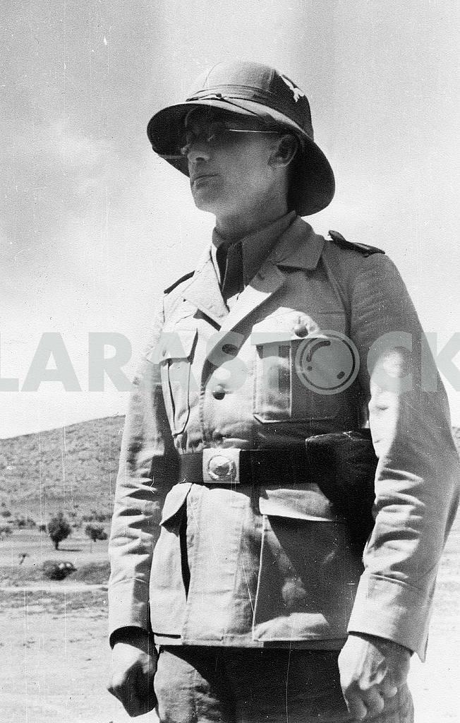 German 7 - Luftlandung-Division soldier. — Image 22958