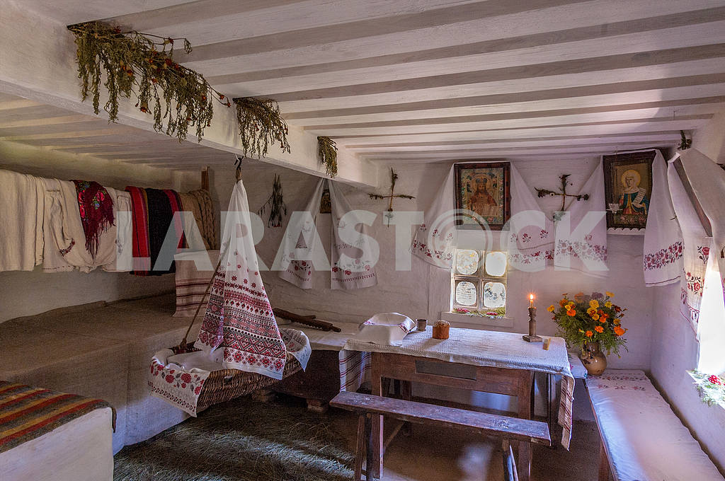 Ukraine. Cherkasy region. Kanev. The interior of the hut in which he lived as a child Taras Shevchenko — Image 23176