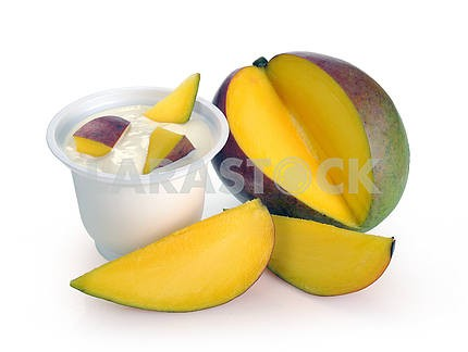 Yoghurt with mango
