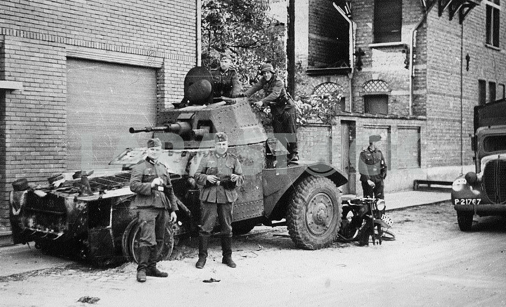 Germans protecting streets — Image 23253