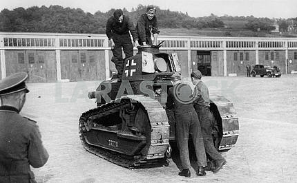 Germans captured french light tank