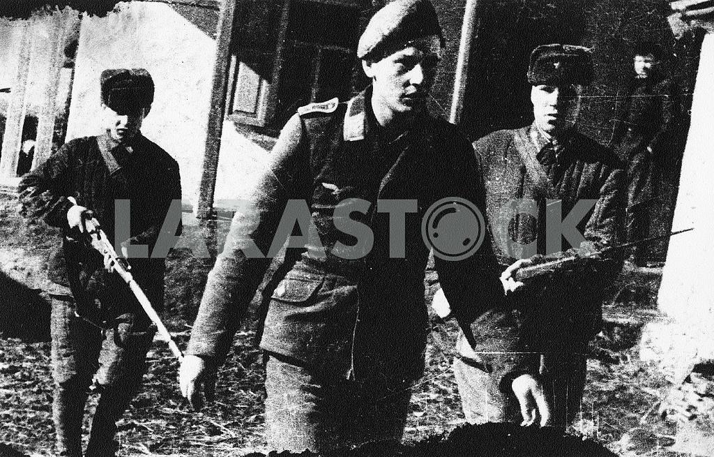 German prisoners pilot — Image 23305