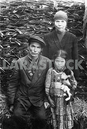 Hero of patriotic war with his family.