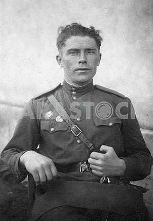 Советский солдат .