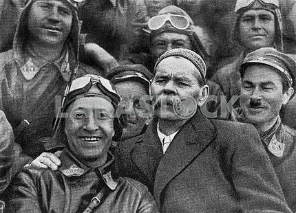 Maxim Gorkiy with soviet pilots