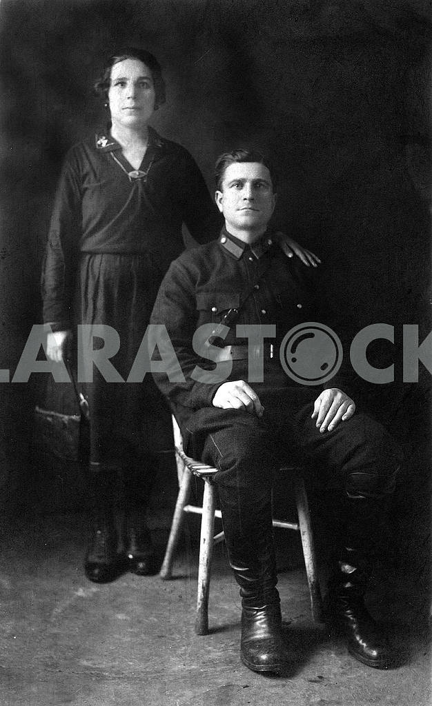 The soldier and his wife — Image 23437