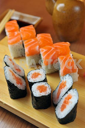 California rolls , maki sushi , japanese food