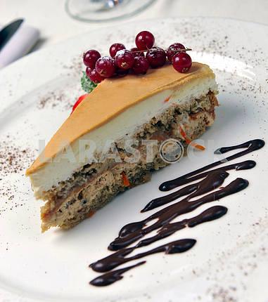 Пирог со свежими ягодами и мин