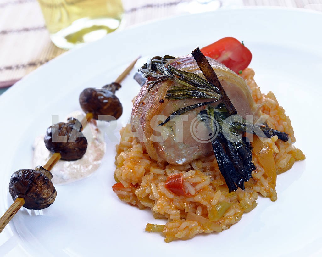 Pork shank with risotto — Image 2479