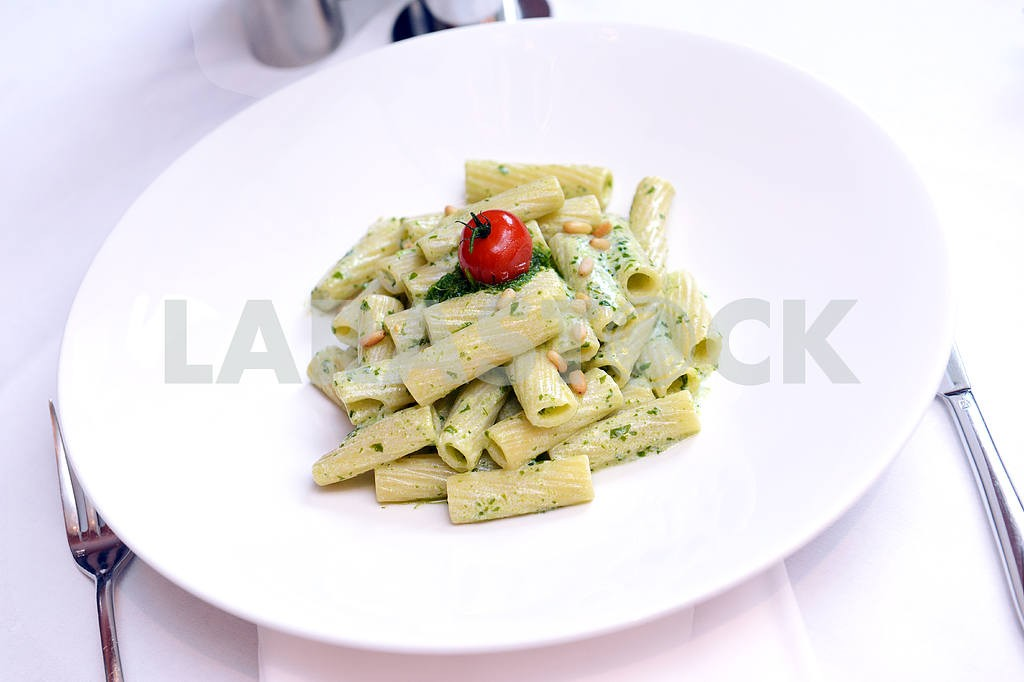 Pasta with bechamel sauce — Image 2552