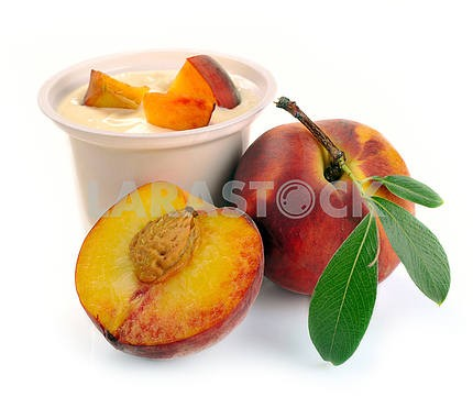Yoghurt with peach