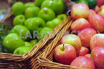 Apples on a shop show-window