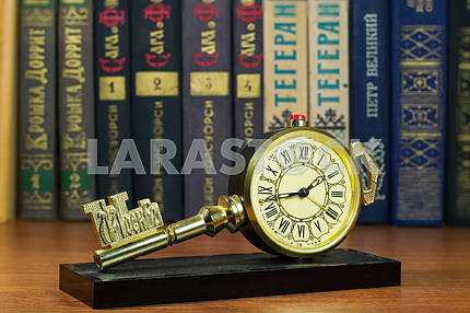 Desktops mechanical clock