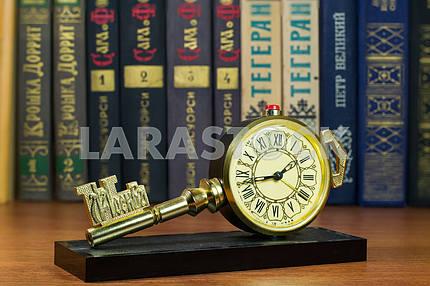 Desktops mechanical clock