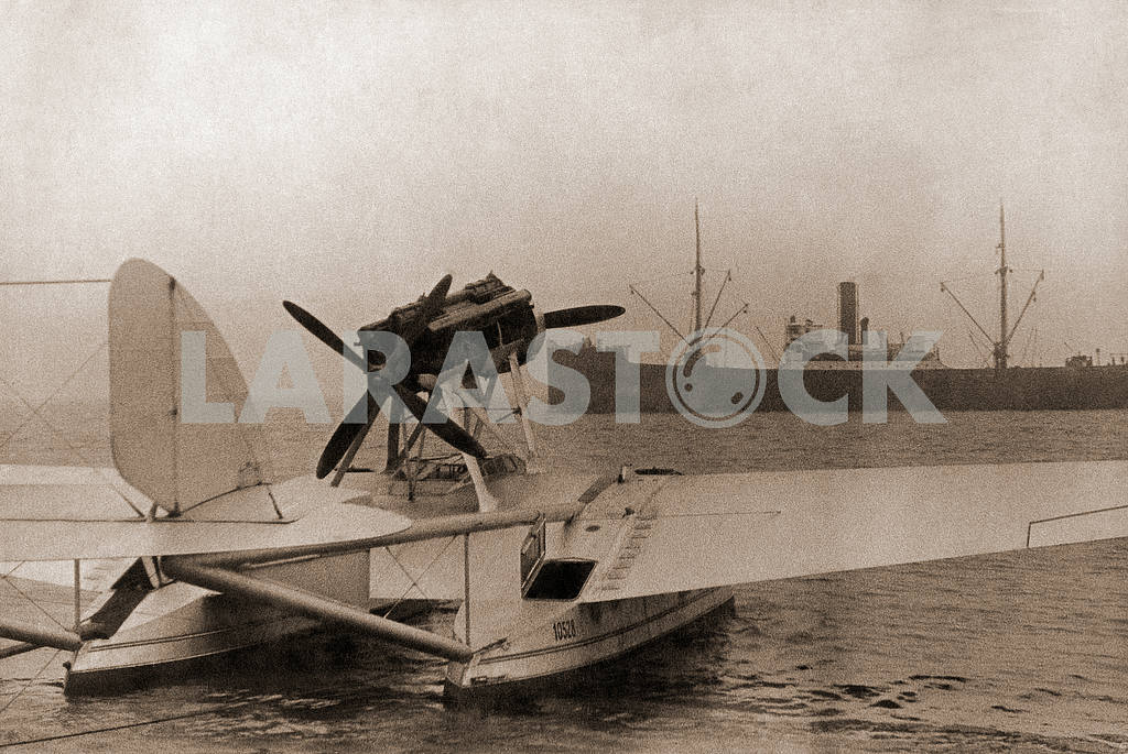 """Flying boat"" aircraft — Image 26348"