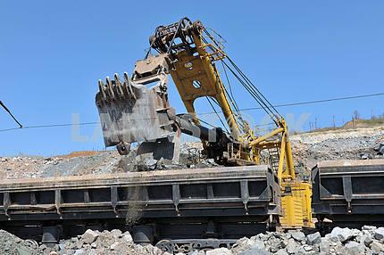 Loading of iron ore railways