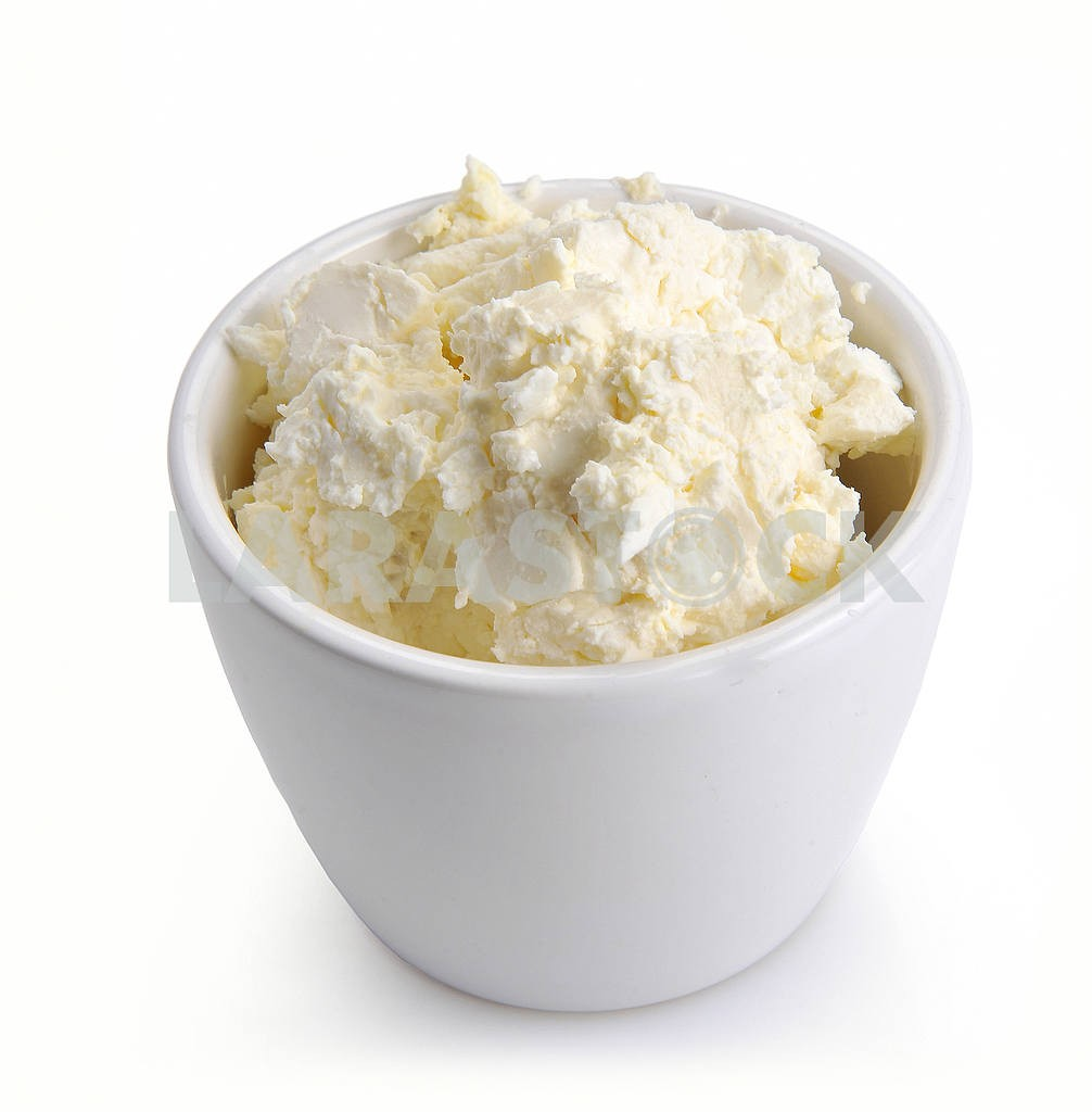 Cottage cheese in a white bowl — Image 2671