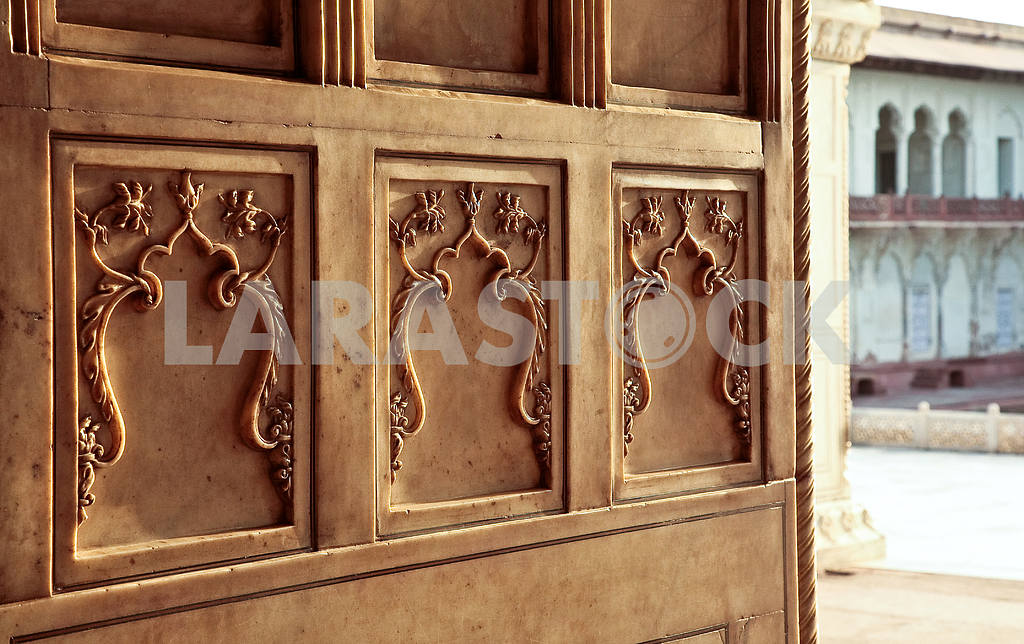 Marble ornaments on the walls of the Palace — Image 26895