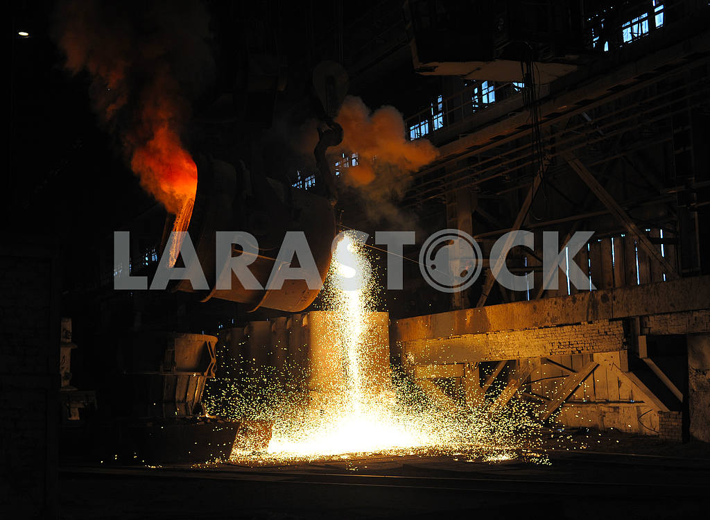 Smelting of the metal in the foundry — Image 2727
