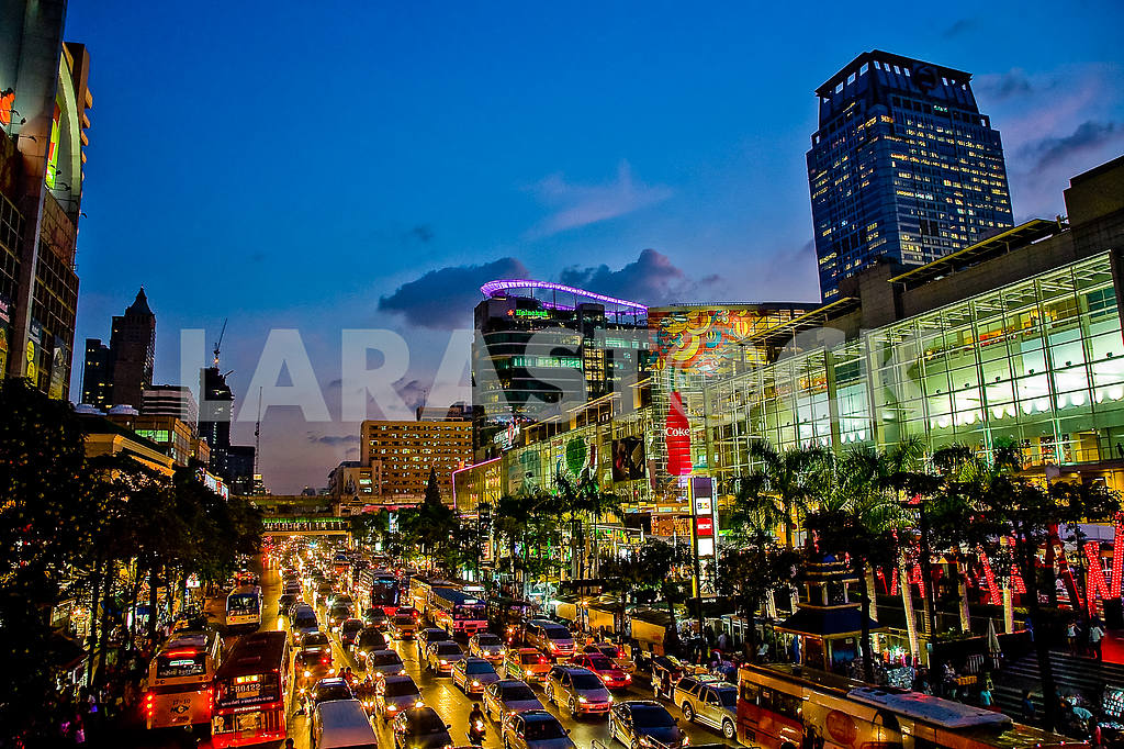 Evening lights of Bangkok — Image 27796