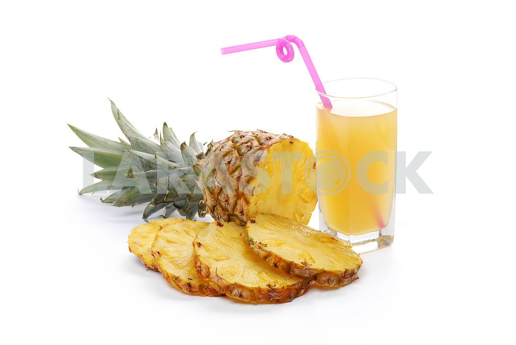 Pineapple with slices and juice in a glass  — Image 2844