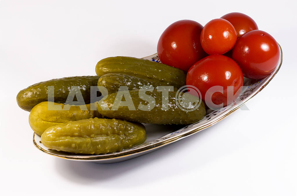 Pickled tomatoes and cucumbers — Image 29366