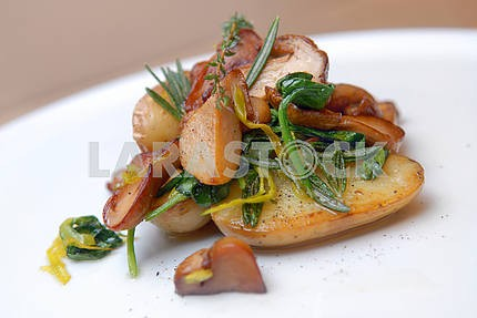 Potato with ceps