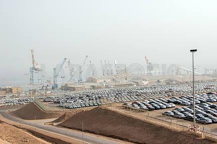 Автомобили в порту