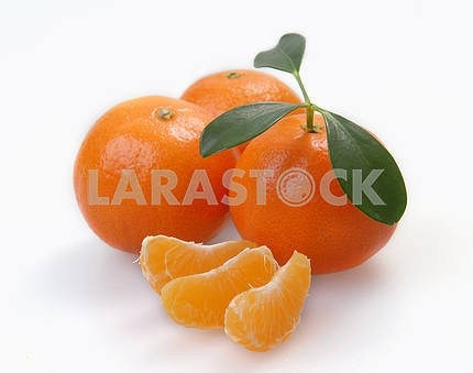 Three clementines with segments