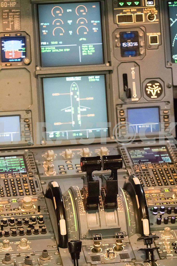 Aircraft control devices — Image 30429