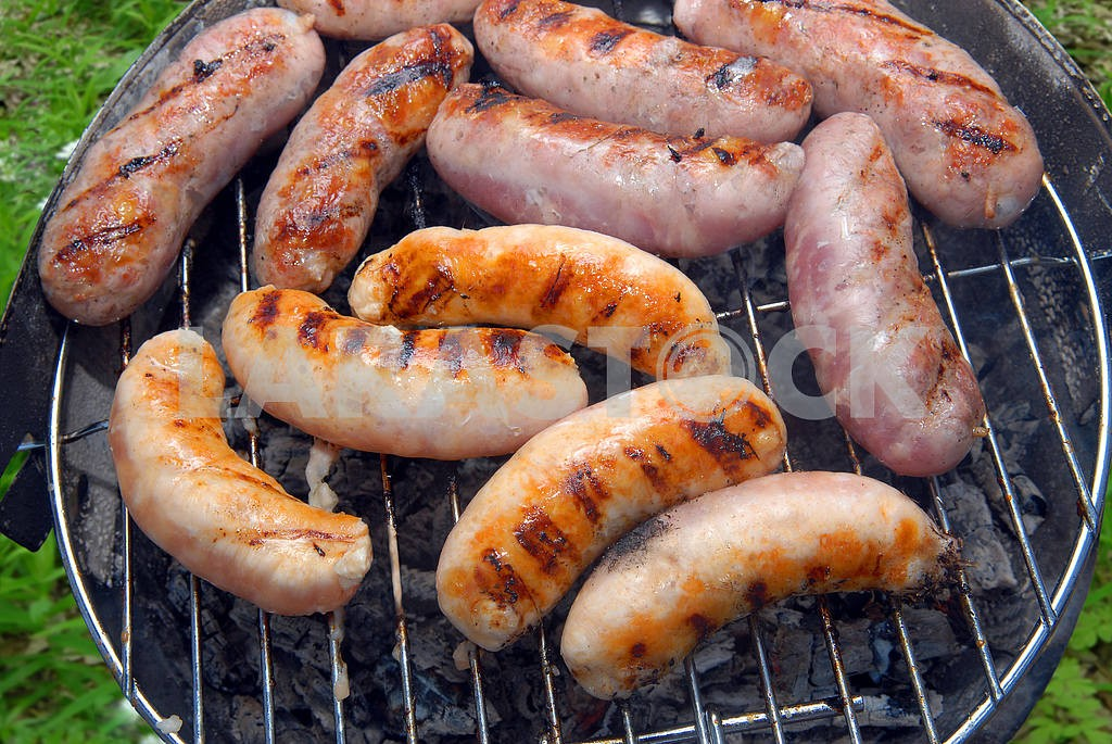 Sausages on a grill  — Image 3086