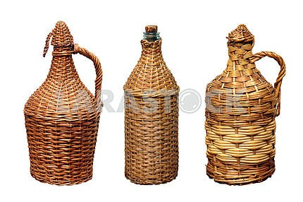 Vessels for wine in a straw braid