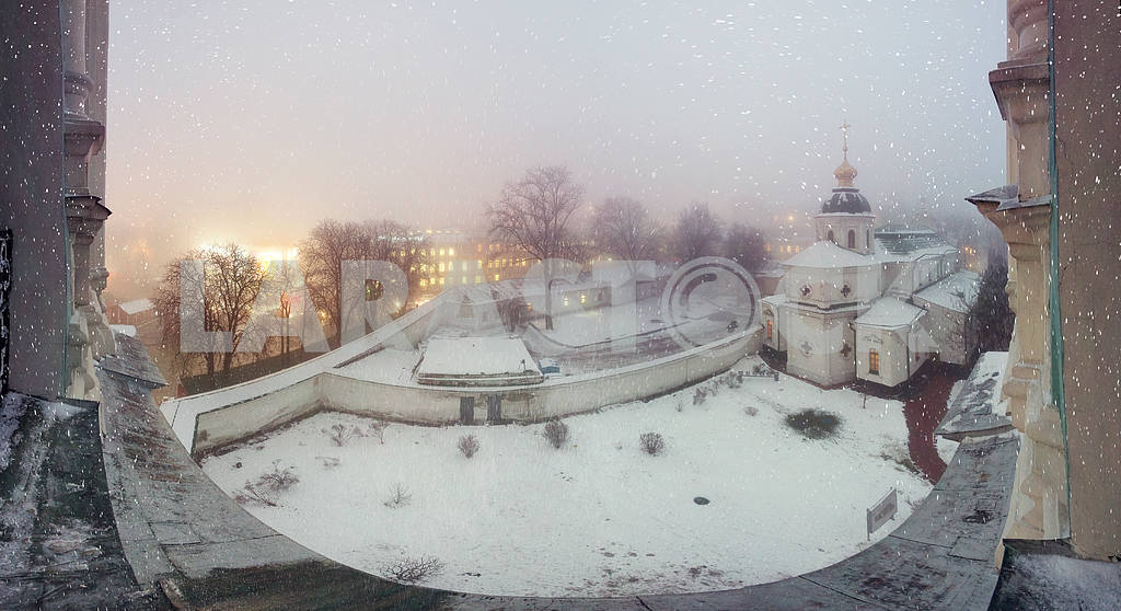 Blizzard and rain enveloped Kiev — Image 3328