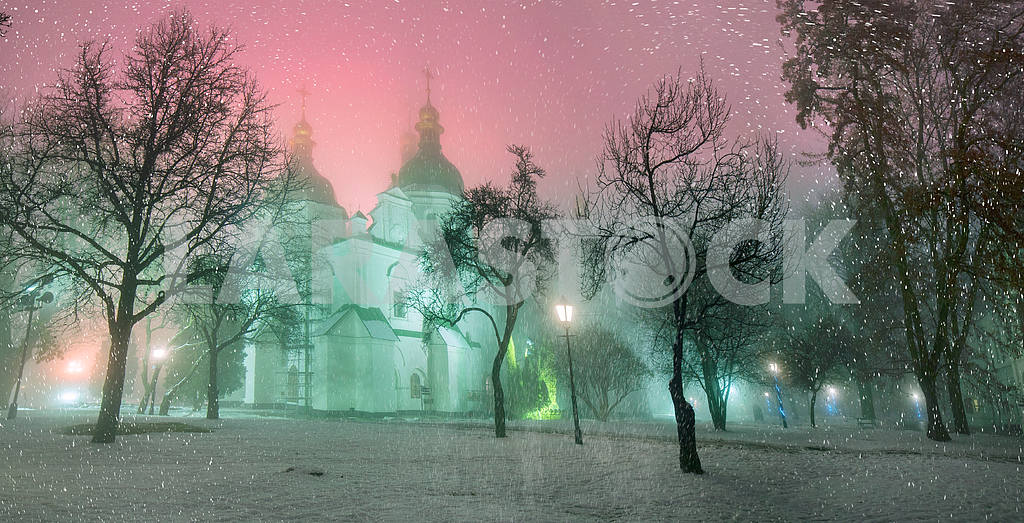 Blizzard and rain enveloped Kiev — Image 3365