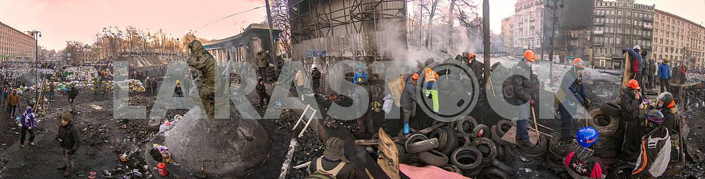 Barricades in the street Hrushevskoho — Image 3398