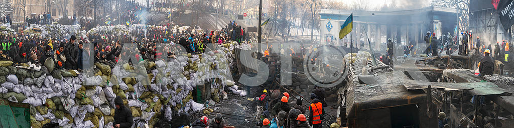 Barricades in the street Hrushevskoho — Image 3399