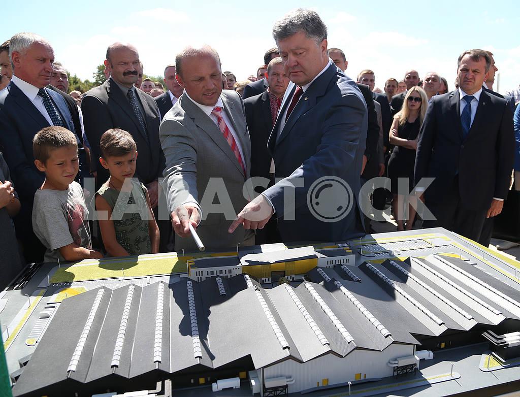 Poroshenko laid a capsule in Brody — Image 34084